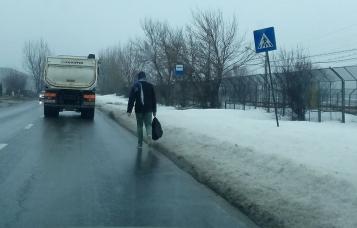 2018 02 20 - mizerie - 6 trotuare nedeszapezite oameni pe soseaua Berceni